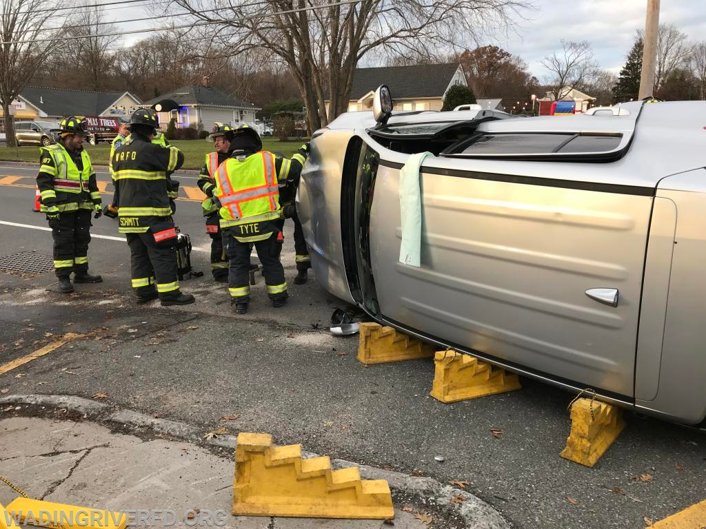 MVA Overturn Rt.25A Photo By. WRFD