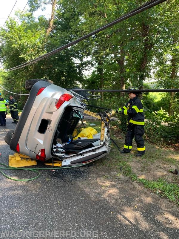 Heavy Rescue MVA Freshpond Ave. Photo By. WRFD
